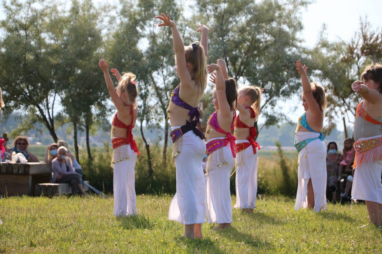 Répétition de danse pour Lyha Orient'n Art